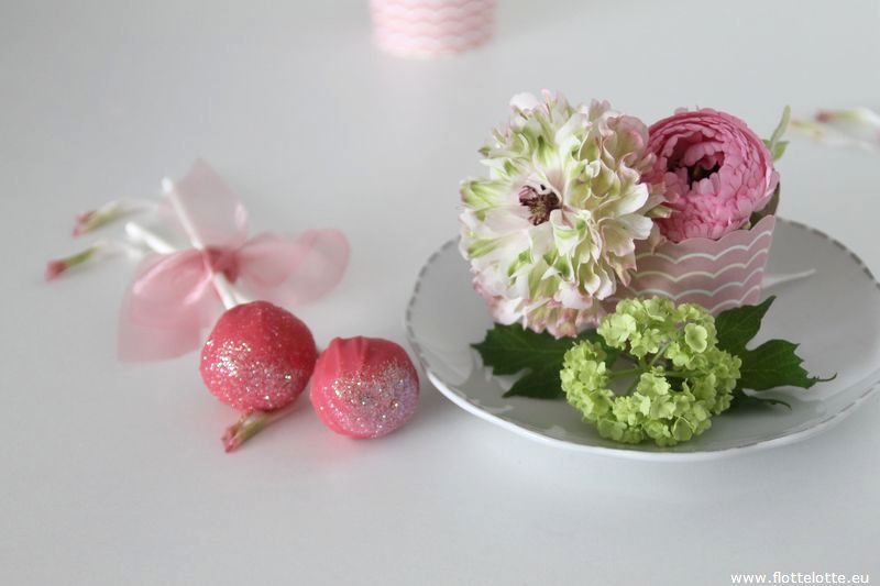 FlotteLotte Minieis-Cakepops-Ranunkel_39