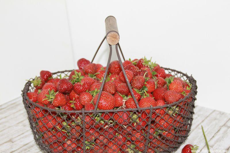FlotteLotte Tassenkuchen mit Erdbeerguss_02