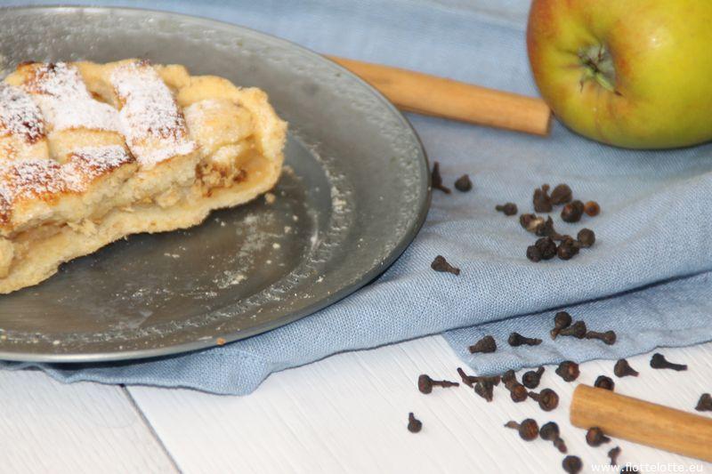 FlotteLotte Apfel und Pflaumen Pie mit Zimtblüte_09