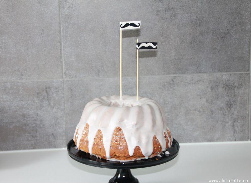 FlotteLotte Mustache Kuchen und Cupcake_16