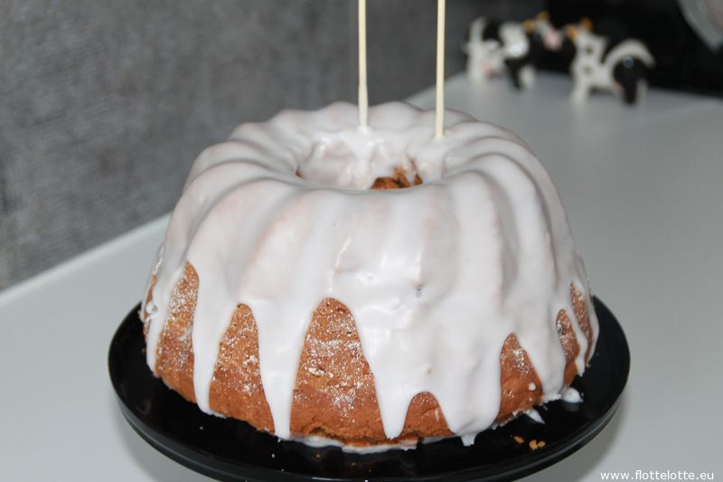 FlotteLotte Mustache Kuchen und Cupcake_21