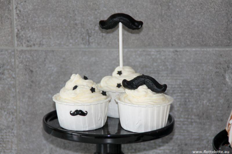FlotteLotte Mustache Kuchen und Cupcake_37