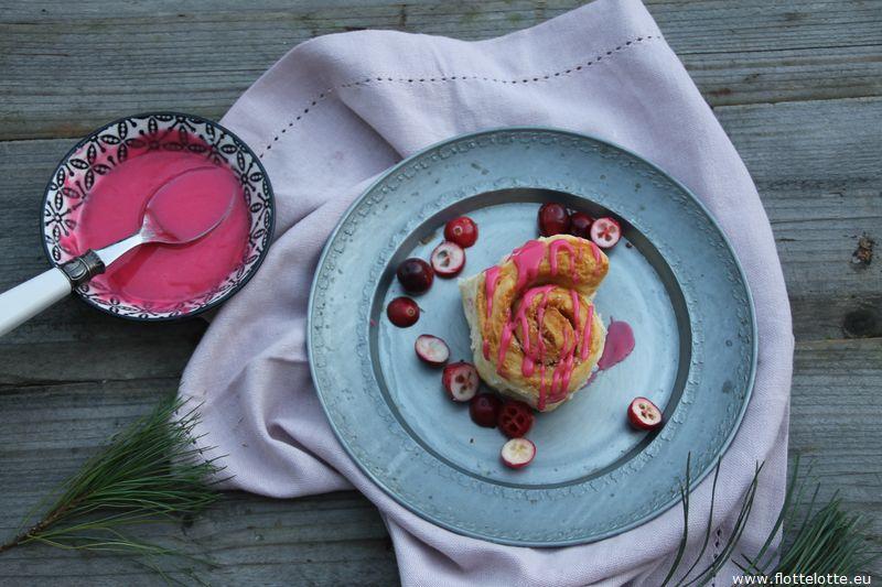 FlotteLotte Zimtschnecken mit Cranberryglasur_03