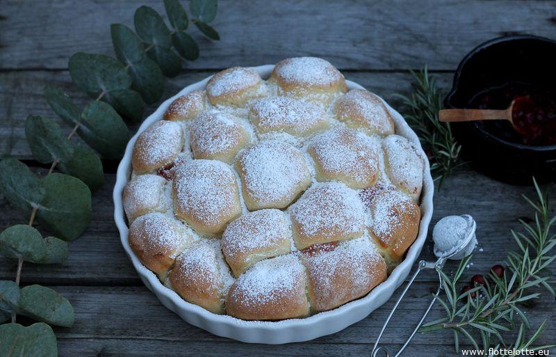 flottelotte-buchteln-mit-cranberries